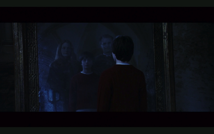 "The scene where the mirror of the groove comes out from the movie ""Harry Potter and the Philosopher's Stone"""